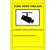Placa homologada de exterior de plástico en color amarillo (en catalán)